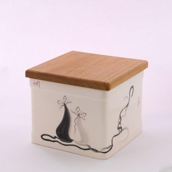 Sütis doboz cicás