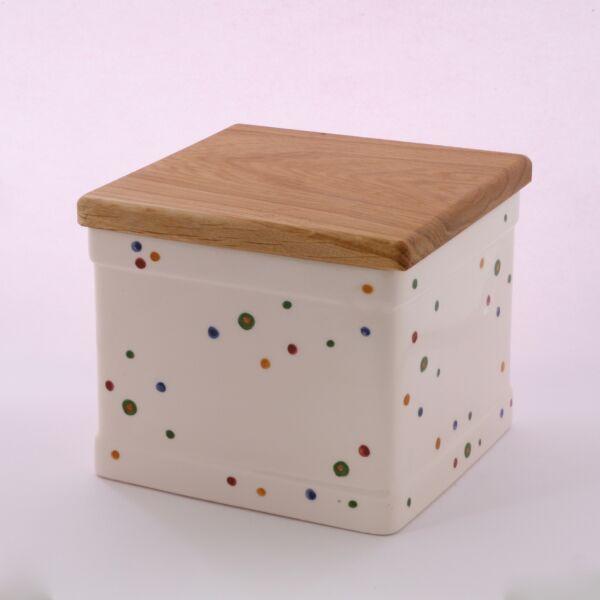 Sütis doboz pöttyös